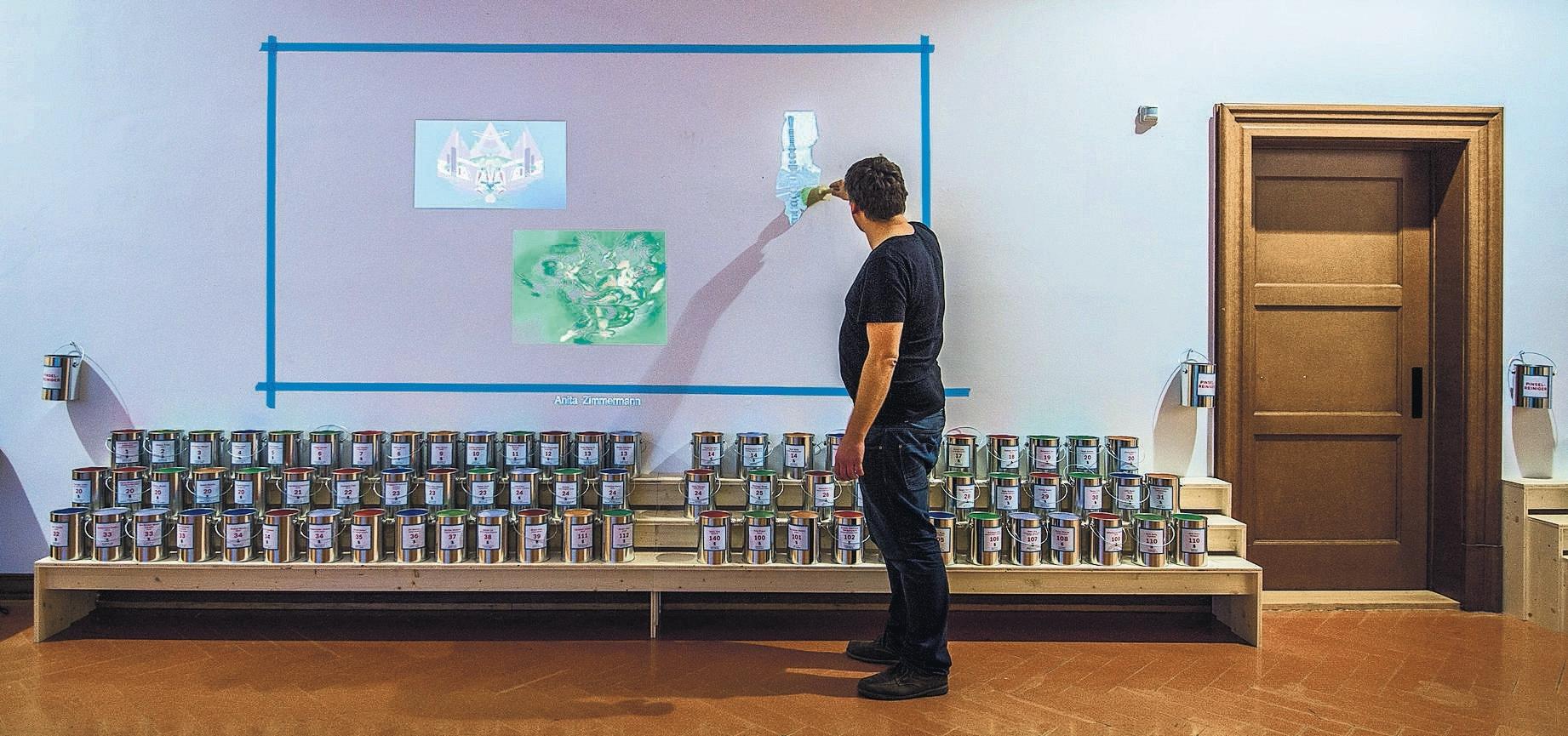 Eröffnung der Veranstaltung Fünfstern - offene Ateliers in der Ostschweiz. Bild von der Ausstellungssituation im Kickoff-Raum Galerie der Migros Klubschule